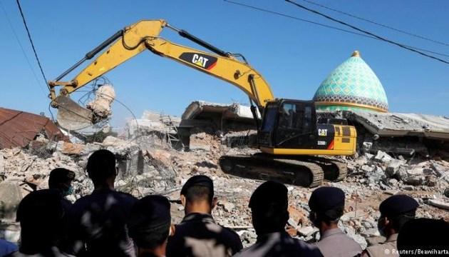 Количество погибших от землетрясения в Индонезии возросло до 10