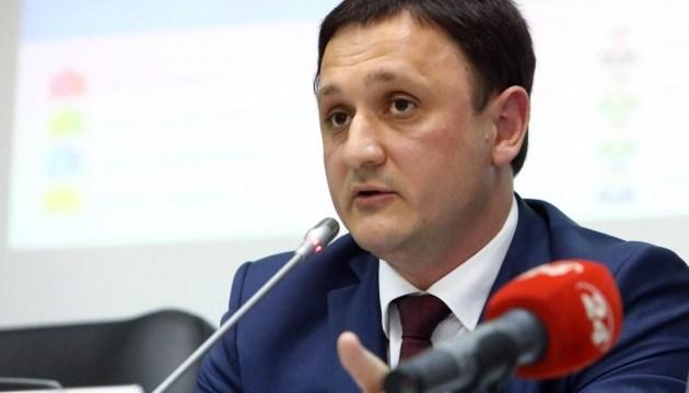 У Порошенко говорят, что через админграницу с Крымом нужен легальный перевозчик