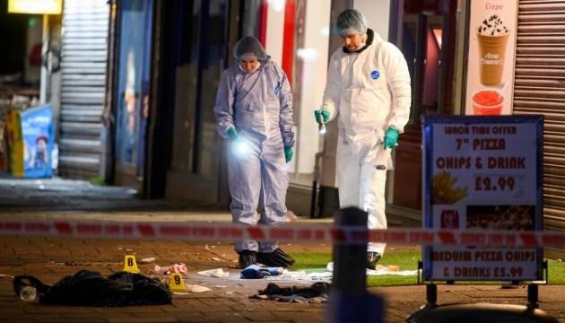 Біля метро у Лондоні сталася стрілянина: щонайменше троє поранених