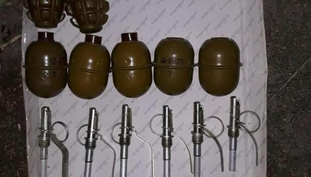 Житель Дніпра зберігав у гаражі 65 гранат і два протитанкові гранатомети