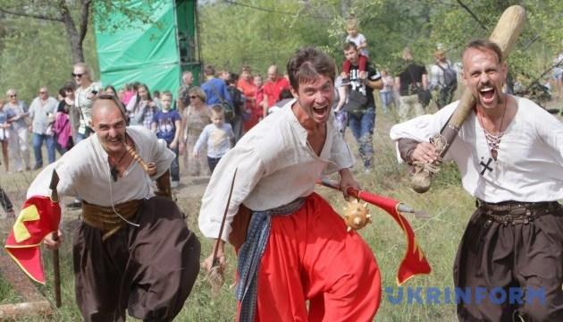 """На фесте в Днипре будут сражаться на мечах, штурмовать крепость и слушать """"Скрябина"""""""