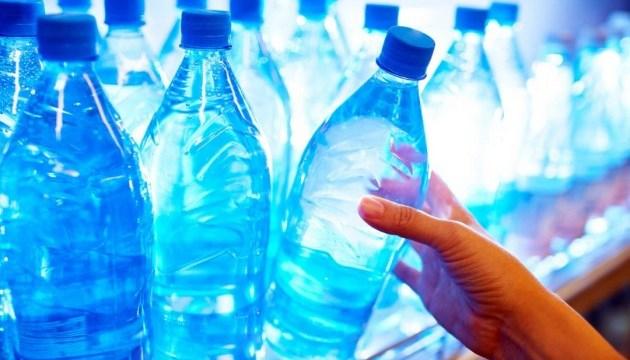 Мінеральну воду не можна пити щодня — лікар