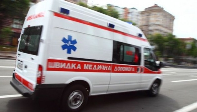 """Китай предоставит Украине 50 """"скорых"""" с медоборудованием"""