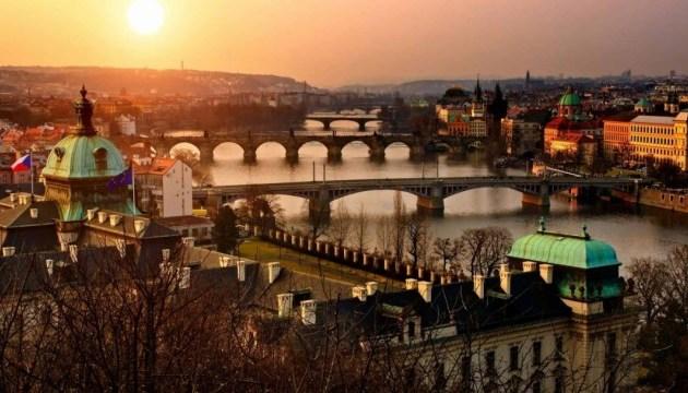 Українським студентам пропонують стипендії на навчання у вишах Чехії