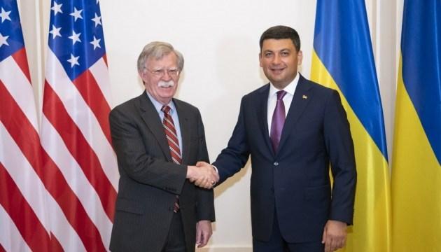 Groysman, Bolton discuss sanctions against Russia