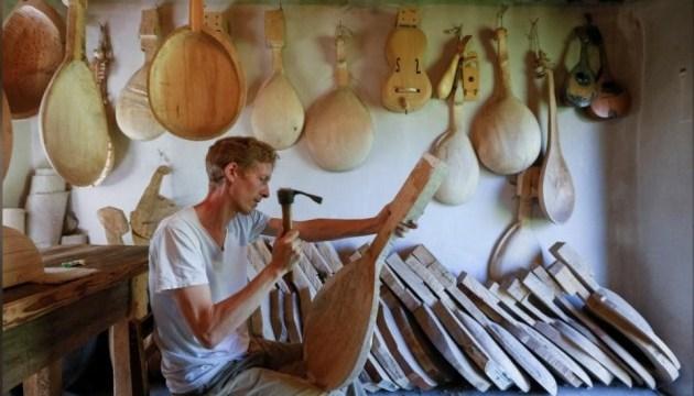 Американець відроджує втрачену українську музичну традицію пісень-дум