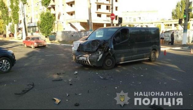В Славянске расследуют столкновение маршрутки с автобусом