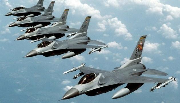 Естонія відкриває небо для авіації НАТО