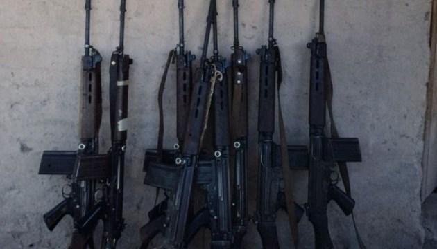 У Парагваї злочинці замінили гвинтівки поліції на пластикові іграшки