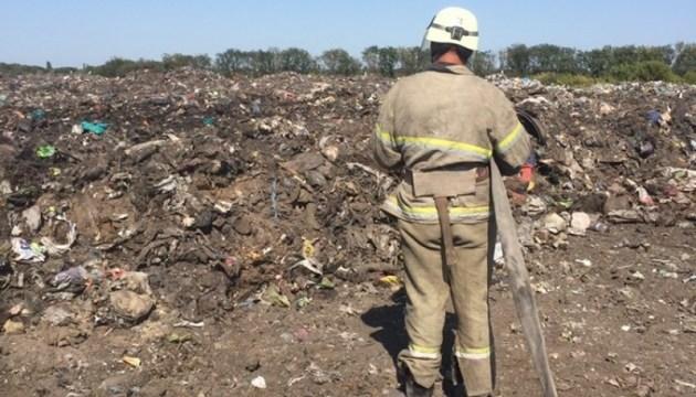 Пожар на свалке в Покровске тушили пять часов