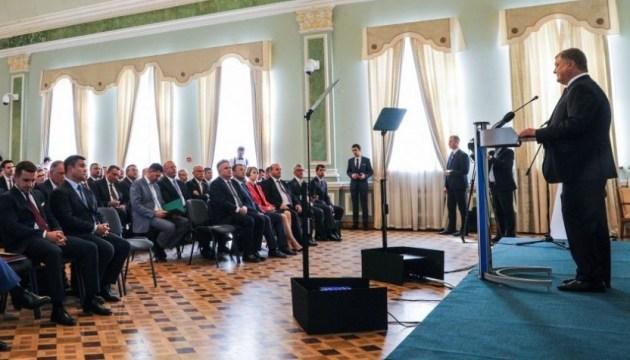 Москва не шкодуватиме сил, аби домогтися послаблення санкцій — Порошенко