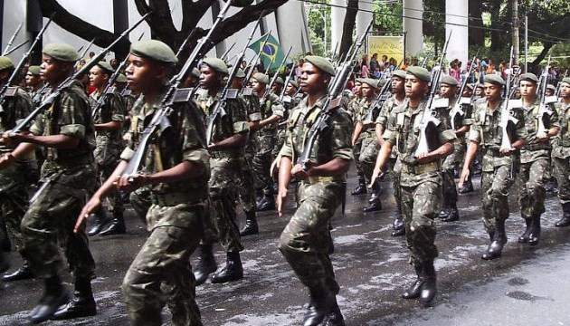 Бразилія направляє війська на кордон з Венесуелою