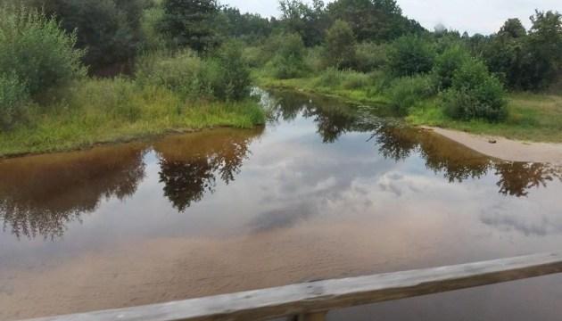 Через негоду на заході України очікують підйому води у річках