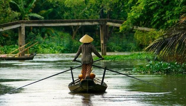 Корупція та по-дитячому щирі люди: українець розповів про життя у Камбоджі