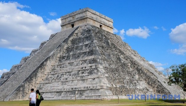 Мексика відправить туристів до світу майя на поїзді
