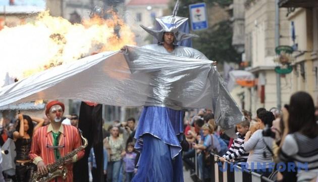 Уличные театры зафестивалят в Одессе