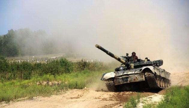 Танкові взводи ЗСУ провели змагання під Житомиром