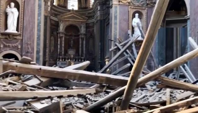 У центрі Рима обвалився дах церкви