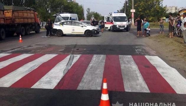 В Мариуполе ВАЗ сбил на переходе женщину с ребенком