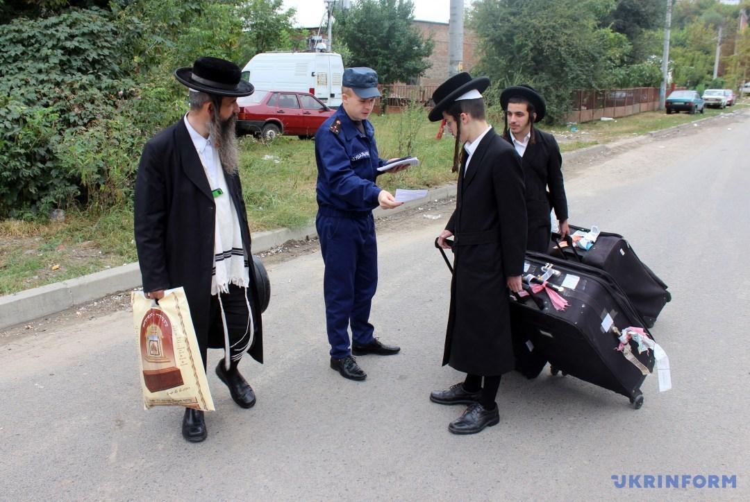 Немає підстав забороняти брацлавським хасидам приїздити цього року на могилу свого пророка