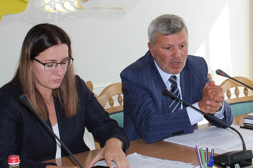 в.о голови ОДА Юлія Свириденко і заступник голови облради Арсен Дідур