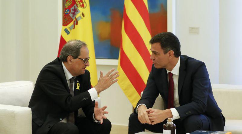 Новообраний лідер Каталонії Кім Торра (ліворуч) та прем'єр-міністр Іспанії Педро Санчес