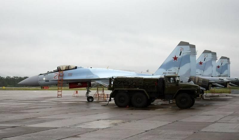 Су-35с в аэропорту Ясном на острове Эторофу. Фото с сайта topwar.ru