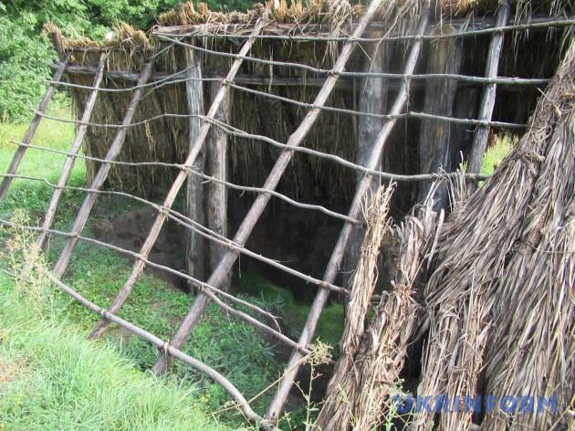 Реконструкція скіфської хати. А можливо, гелонської...