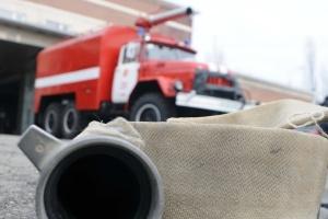 На Тернопольщине горит военный склад