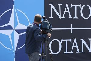 """У НАТО пояснили, для кого триматимуть """"двері відкритими"""""""