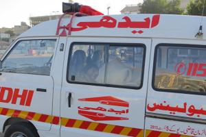 Унаслідок зіткнення потяга з автобусом у Пакистані загинули 30 осіб