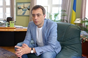 Omelian declara el comienzo de la era de carreteras de hormigón en Ucrania
