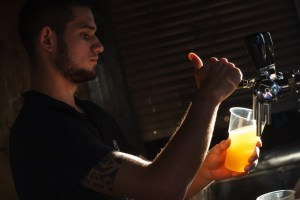 ザカルパッチャ州のビール製造ライセンス所有企業は11社