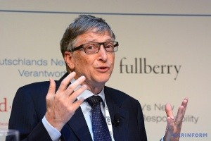 Билла Гейтса подвинули со второй строчки самых богатых людей мира