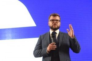"""Кравцов за свое увольнение получит """"не малую"""" денежную компенсацию"""