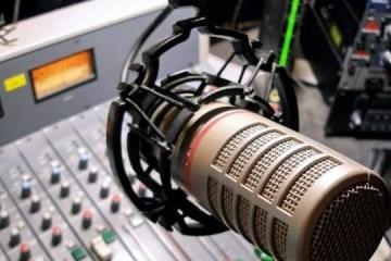 各ラジオ局は、ウクライナ語楽曲をノルマ以上に流している