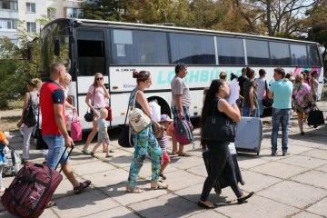 Mass evacuation of children from occupied Armyansk in Crimea