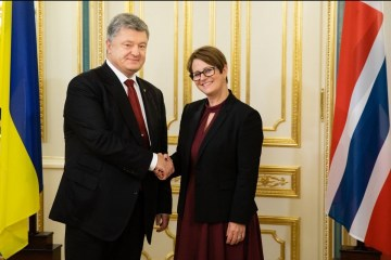 Poroshenko, Norwegian parliament speaker discuss situation in Donbas