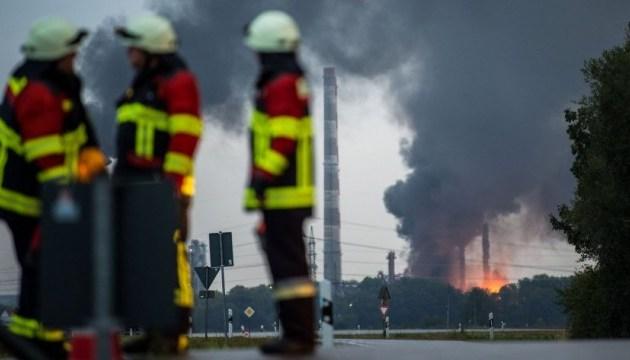 На заводе в Баварии произошел пожар, есть пострадавшие