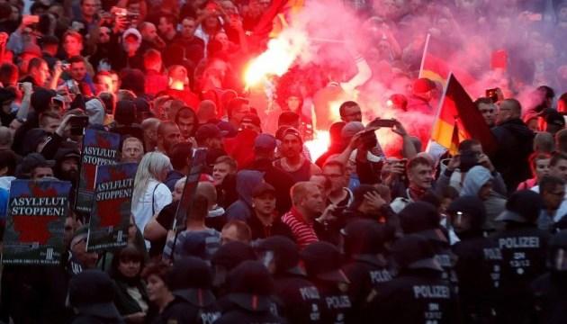У німецькому Хемніці знову зійшлися праві екстремісти і їх супротивники