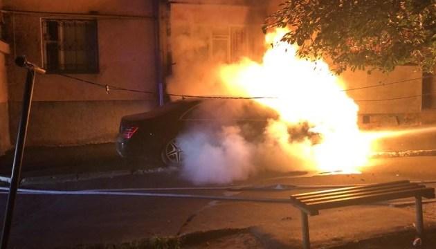 В Ривне сожгли авто депутата горсовета