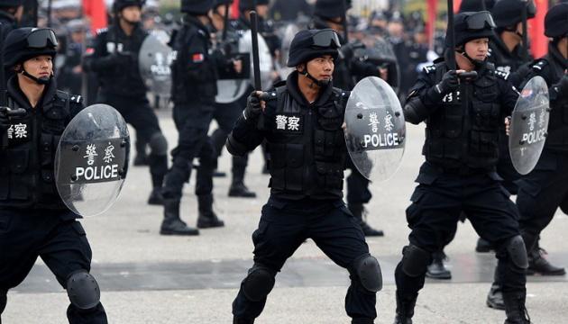 В Китае акция под государственными школами переросла в столкновения с полицией