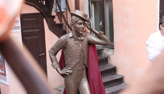 В Одессе открыли памятник молодому Утесову
