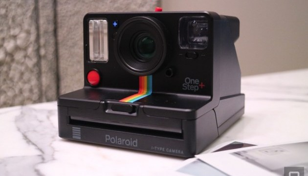 Миттєвий друк фото: Polaroid повертає класичну камеру