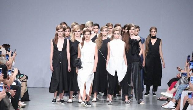 La nouvelle édition d'Ukrainian Fashion Week se déroule ces jours-ci à Kyiv (photos, vidéo)