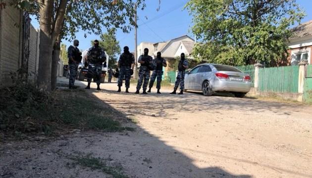 被占領下クリミアで抗議者自宅の建物を家宅捜査
