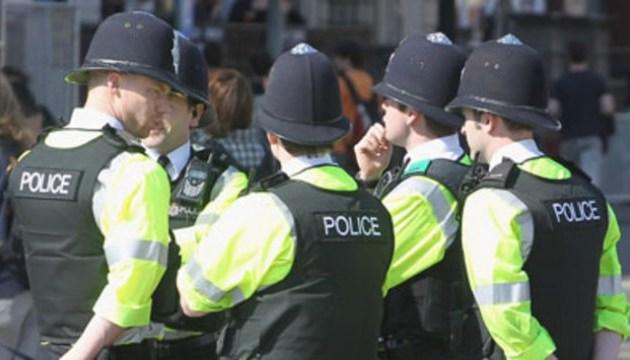 В Лондоне на людей вылили кислоту, трое пострадавших