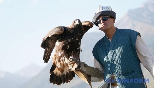 Всесвітні ігри кочівників: тайгани та хижі птахи на салбуурун