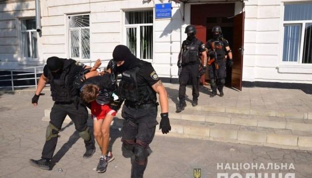 В Луганской области обезвредили мужчину, угрожавшего взорвать школу