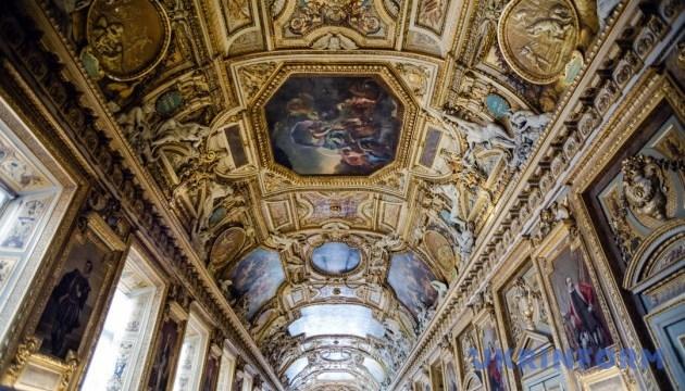 Лувр виклав онлайн майже пів мільйона експонатів